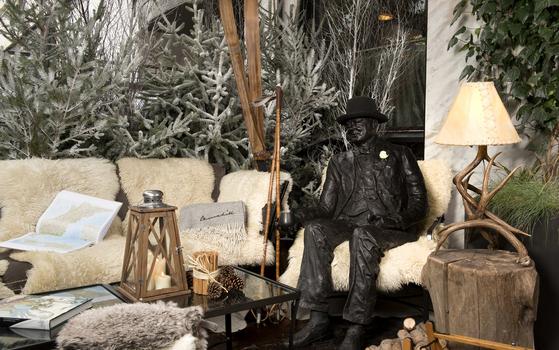 The-Churchill-Bar-Terrace-in-Winter